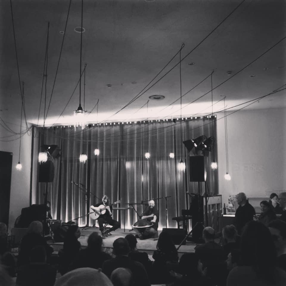 Auftritt Handpan und Gitarren Duo im Staatstheater Nürnberg